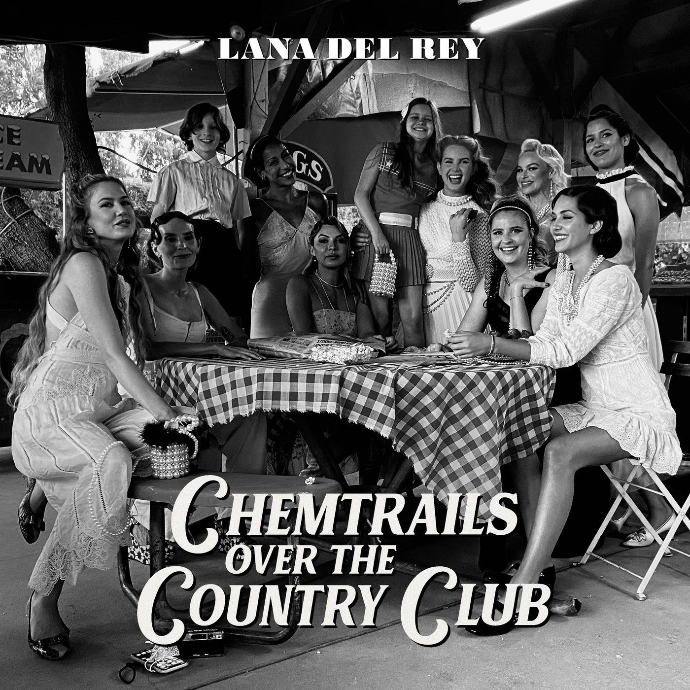 Cover Lana Del Rey - Chemtrails Over The Country Club album